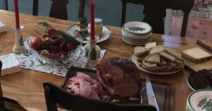 A HOLIDAY DISH FOR WHEN YOU DON'T HAVE TIME (BUT IT NEEDS TO LOOK LIKE YOU DO!) MAPLE BROWN SUGAR BAKED HAM