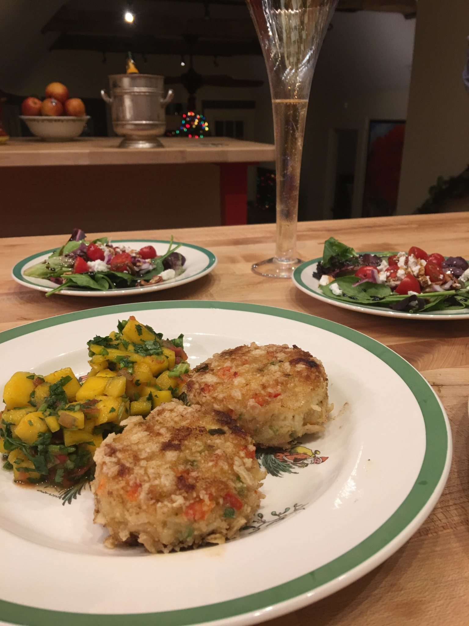 Crab cakes with Mango Salsa