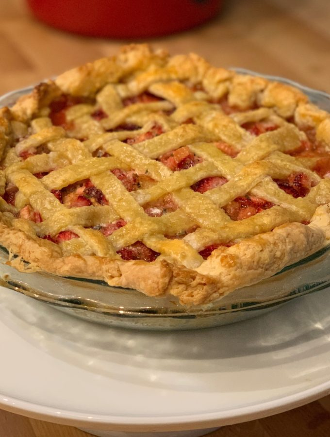 Strawberry rhubarb pie with mint