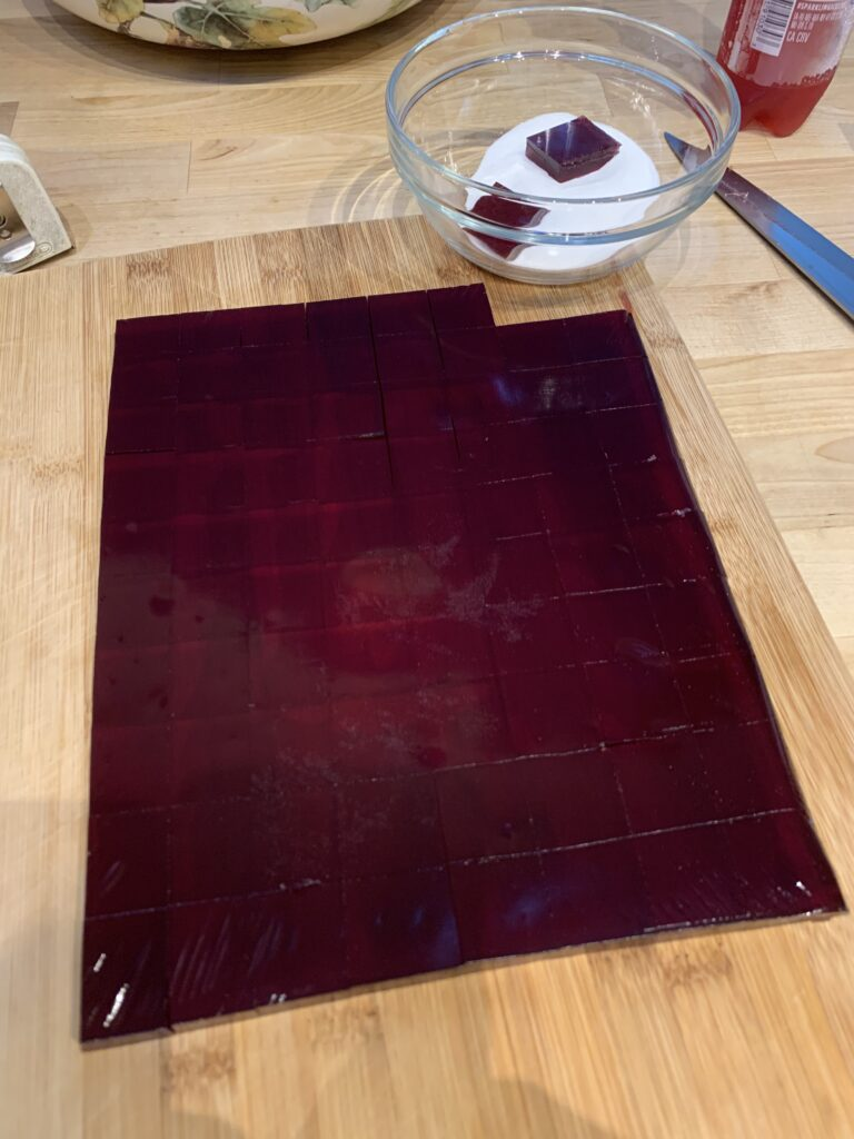 Trim the jelly before cutting
