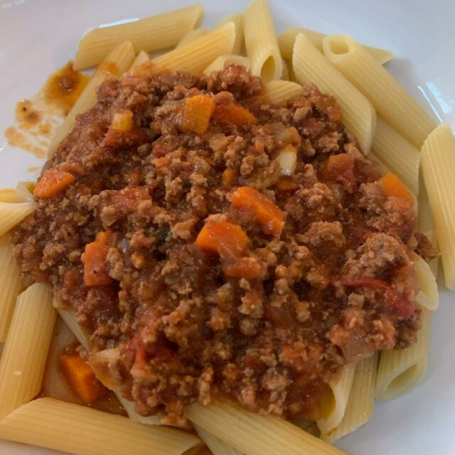 I'm eating again!  My first real meal was a fabulous Bolognese sauce by @flybykisses  She cooks it long and slow and it's amazing. Most people think of spaghetti Bolognese when they think of this sauce. But an Italian friend of mine once told me the real way to serve it was with a shaped pasta which could hold the sauce. This rigatoni was not the perfect choice but it was what I had and did the trick! #pastabolognese #bolognese #awomancooks  . . . . #homecookedfood #thegiftoffood #tomatosauce #italianwisdom #italiancooking #ashevillefoodie